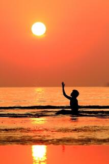 Keeping Your Skin Beautiful While Enjoying the Sun