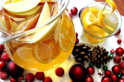 Sparkling Cider Sangria For the Holidays