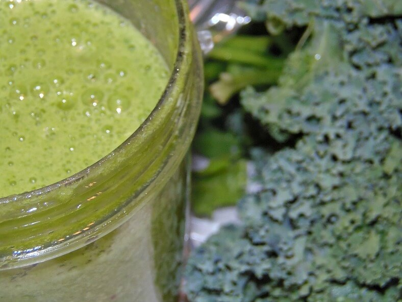 How Juicing Helped My Blood Sugar - Green Juice Blend amidlifewife.com