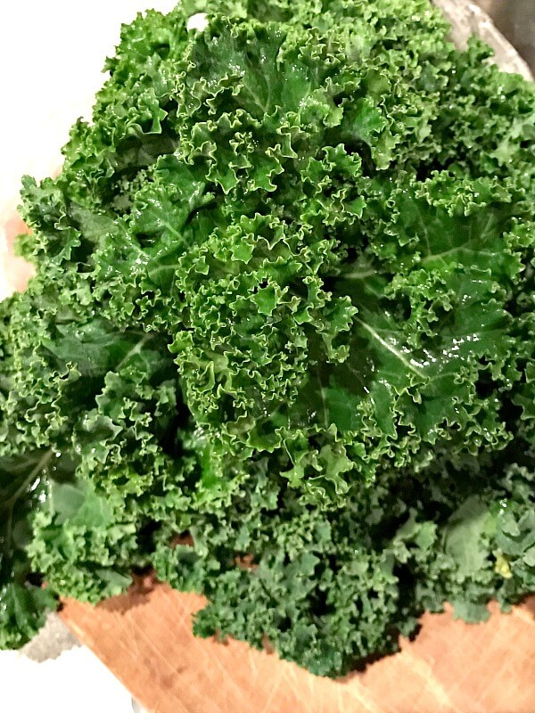 Fresh Green Juice Recipe with Kale and Spinach