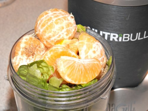 Healthy Green Juice with Mini Oranges Recipe