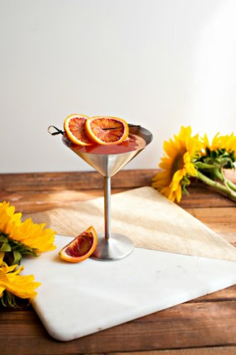 3 Reduced Calorie Thanksgiving Cocktail Recipes for a Crowd