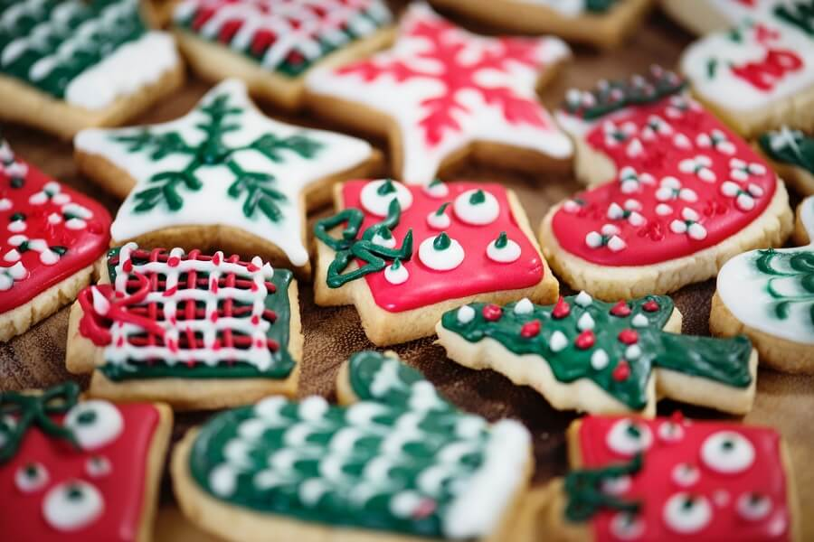 Easy to Follow Holiday Eating Tips for Everyone - A Midlife Wife